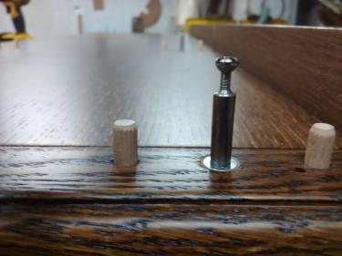 ντουλάπα δωματίου κλασική , ξυλουργικες εργασιες , επιπλα καταστηματων , ειδικες κατασκευες επιπλων , ταπετσαρίες , λούστρα , ξυλου δρυος , ksilou drios