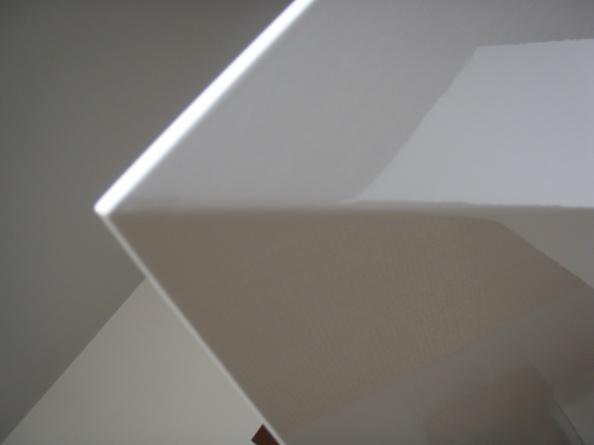 τραπεζαρία , τραπεζαρία λάκα λευκή γυαλιστερή , ξυλουργικες εργασιες , επιπλα καταστηματων , ειδικες κατασκευες επιπλων , ξυλου δρυος , ksilou drios